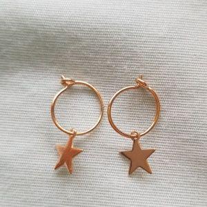 Gold star charm hoop earrings